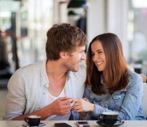 Ce remarca un barbat prima data la o femeie?