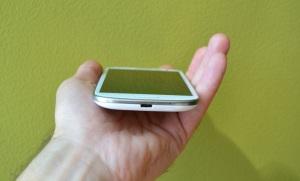 Cum protejam mufa de incarcare a telefonului?