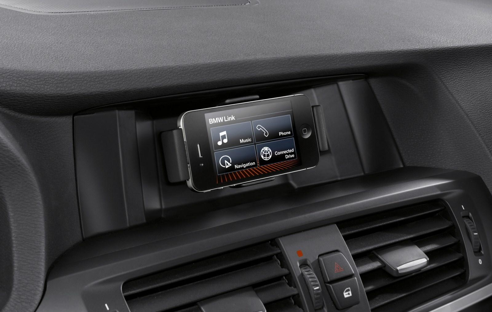 Utilizarea optima a telefonului de tip iPhone in masina