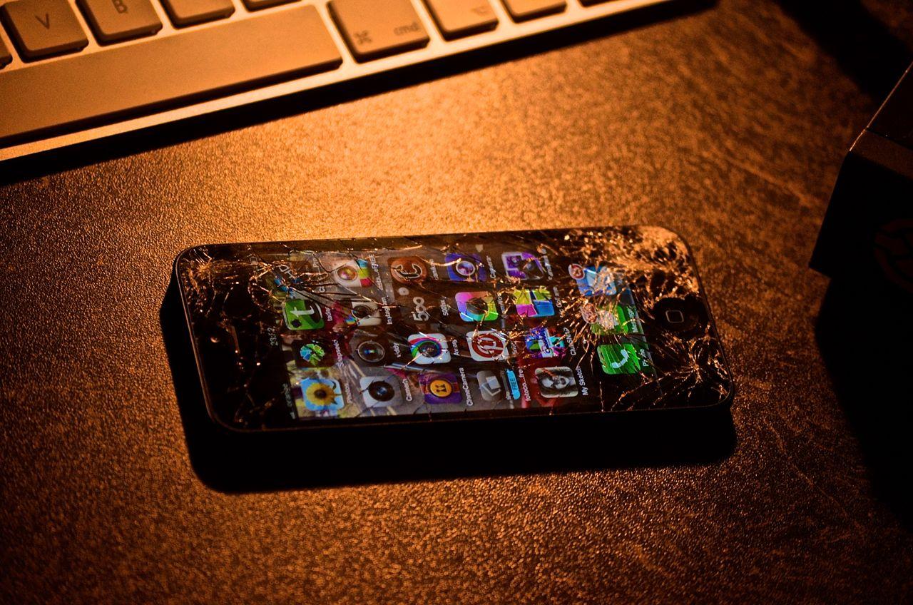 Care sunt cele mai comune probleme ale telefoanelor mobile si solutiile lor?