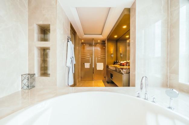 Cum se alege iluminatul in baie?