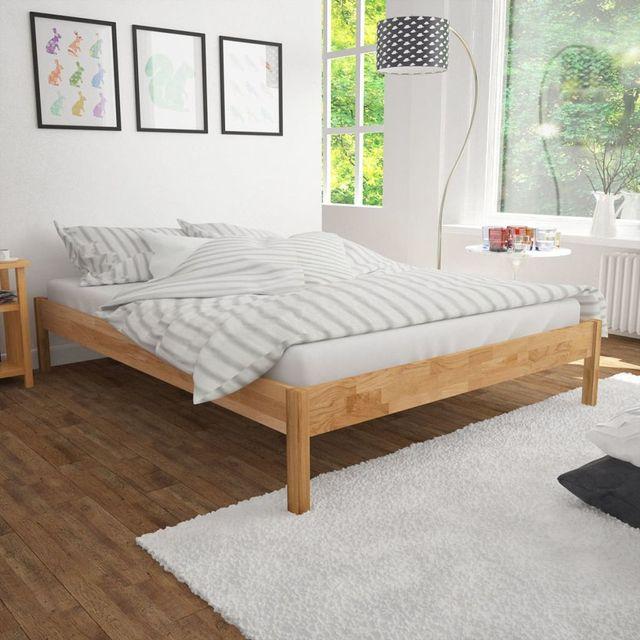 Din ce materiale se confectioneaza husele pentru pat?
